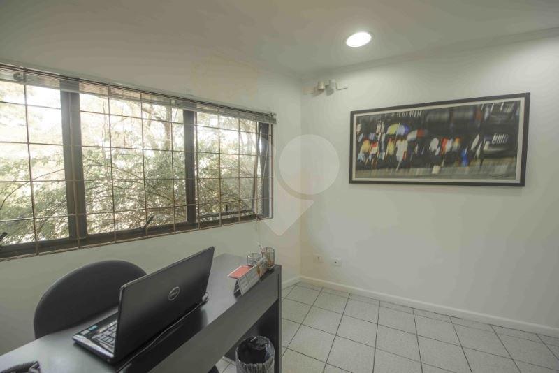 Sala em Alto De Pinheiros, São Paulo - SP