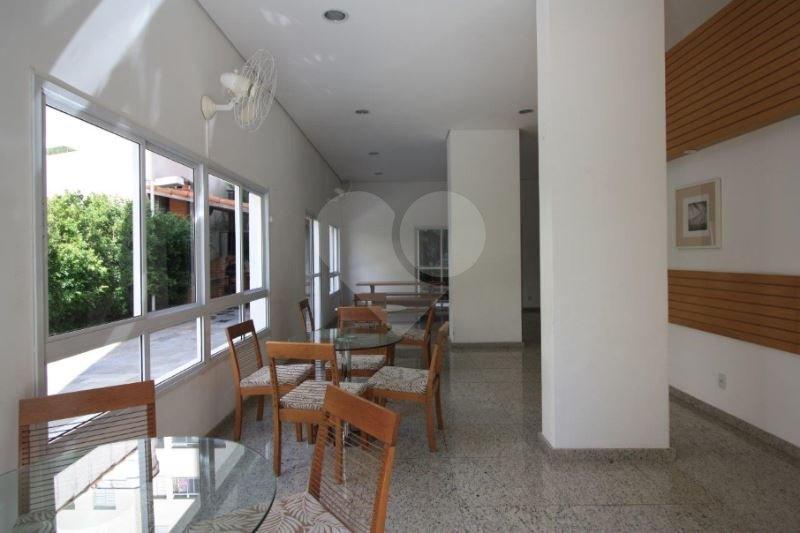 Apartamento de 3 dormitórios à venda em Vila Hamburguesa, São Paulo - SP