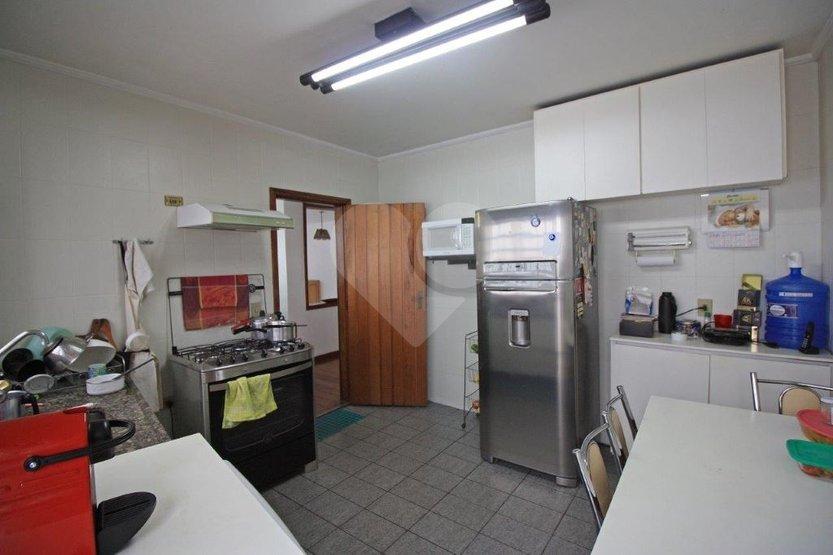 Casa de 4 dormitórios à venda em Sumarezinho, São Paulo - SP