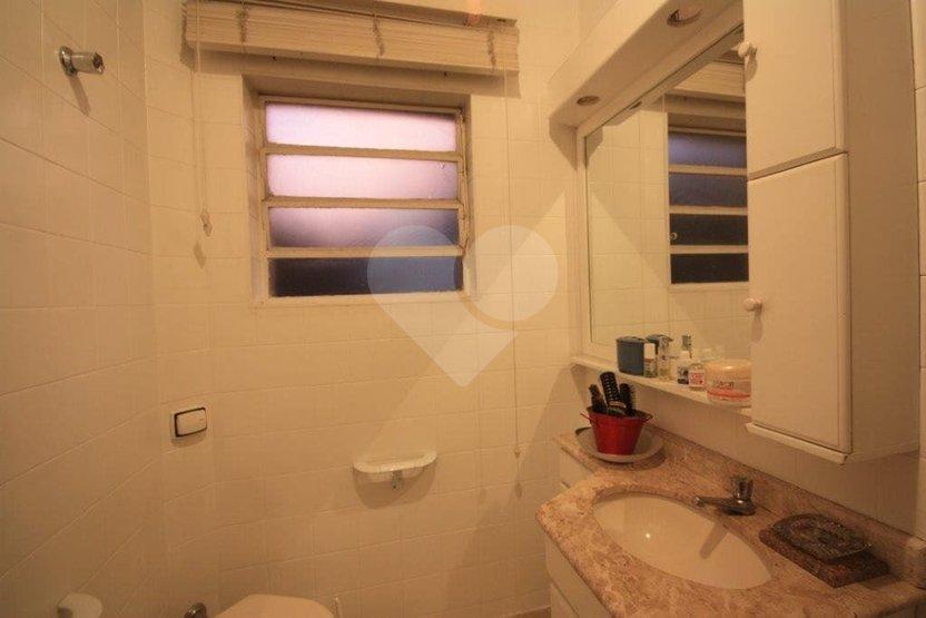 Casa de 4 dormitórios em Vila Ipojuca, São Paulo - SP