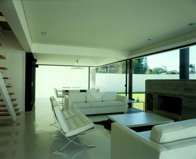 Casa de 4 dormitórios em Alto De Pinheiros, São Paulo - SP