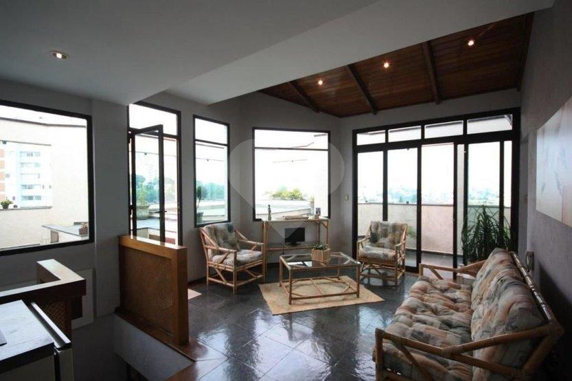 Cobertura de 4 dormitórios em Vila Madalena, São Paulo - SP
