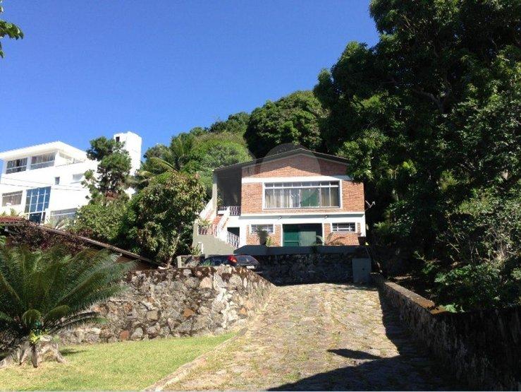 Casa de 2 dormitórios à venda em Arrastão, São Sebastião - SP