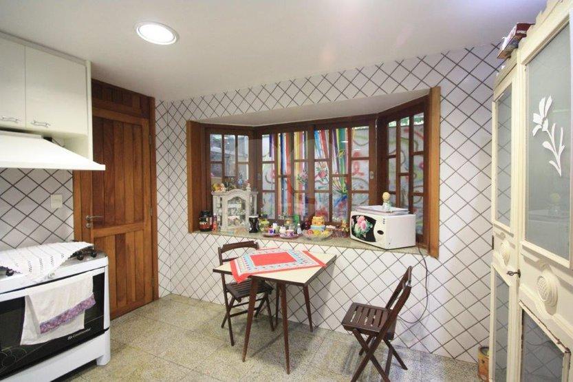 Casa de 3 dormitórios à venda em Sumarezinho, São Paulo - SP