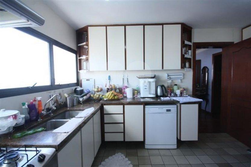 Apartamento de 4 dormitórios à venda em Sumarezinho, São Paulo - SP