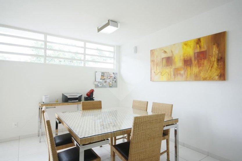 Casa de 6 dormitórios à venda em Vila Madalena, São Paulo - SP