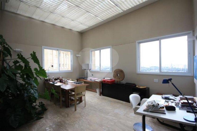 Cobertura de 4 dormitórios em Jardim Universidade Pinheiros, São Paulo - SP