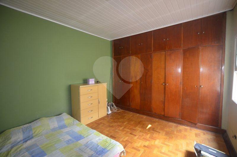 Padrão de 3 dormitórios à venda em Vila Hamburguesa, São Paulo - SP