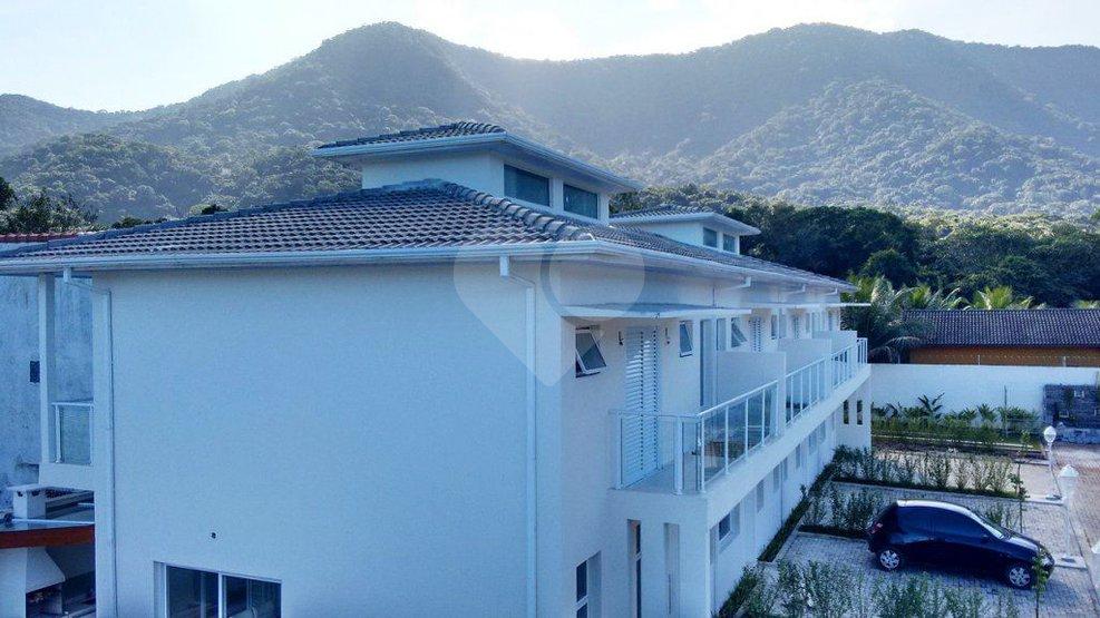 Casa de 3 dormitórios em Maresias, São Sebastião - SP