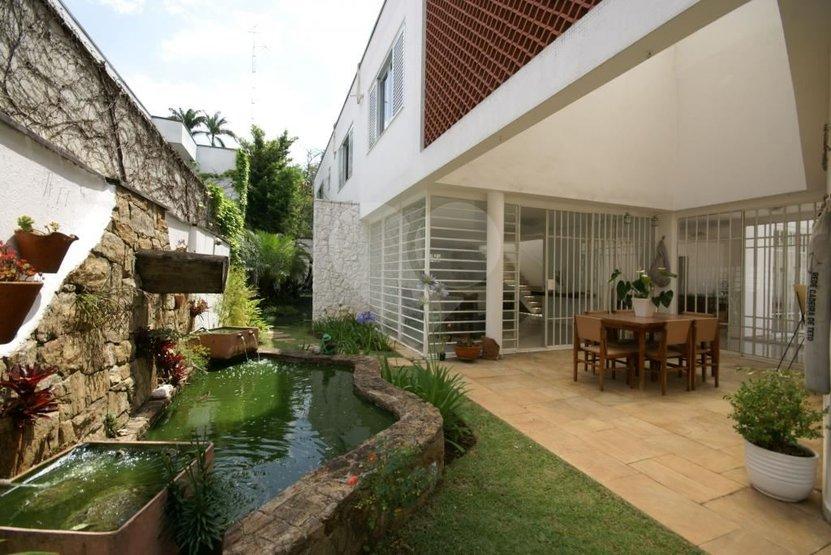 Casa de 4 dormitórios em Pacaembu, São Paulo - SP