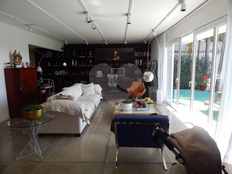 Casa de 3 dormitórios em Jardim Guedala, São Paulo - SP