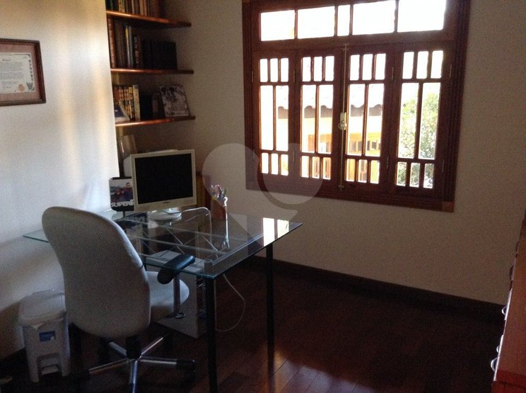 Casa de 4 dormitórios em Palos Verdes, Cotia - SP