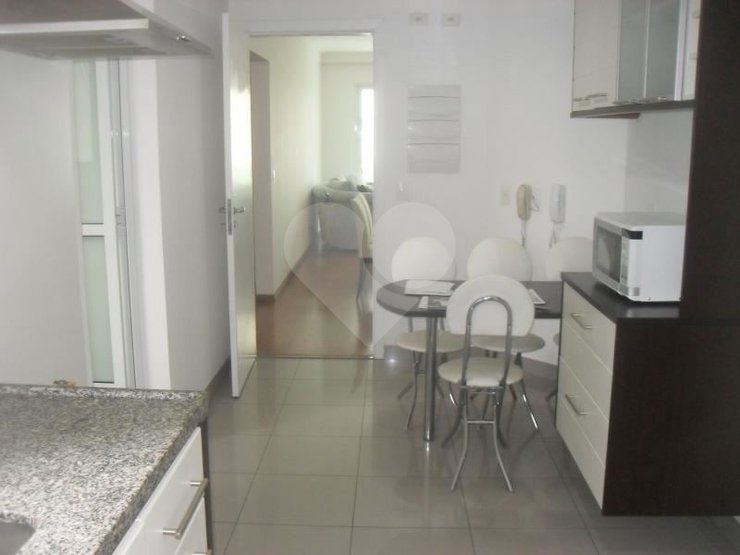 Apartamento de 3 dormitórios à venda em Vila Sônia, São Paulo - SP