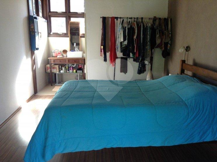 Casa de 3 dormitórios à venda em Chácara Dos Lagos, Carapicuíba - SP