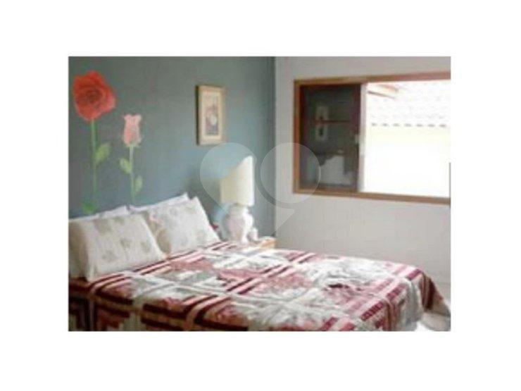 Padrão de 5 dormitórios em Vila Ipojuca, São Paulo - SP