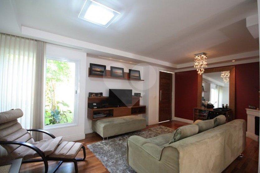 Casa de 4 dormitórios à venda em Jardim Colombo, São Paulo - SP