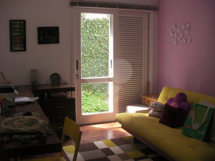 Casa de 5 dormitórios em Vila Inah, São Paulo - SP