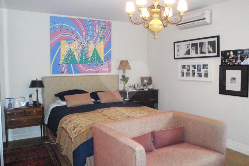 Casa de 5 dormitórios à venda em Fazenda Morumbi, São Paulo - SP