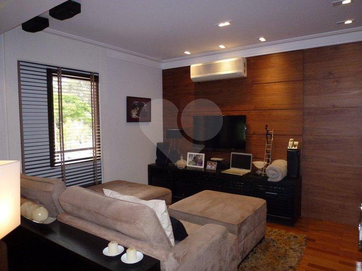 Apartamento de 3 dormitórios à venda em Jardim Vitória Régia, São Paulo - SP