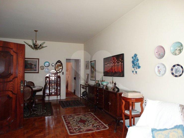 Padrão de 3 dormitórios em Vila Romana, São Paulo - SP
