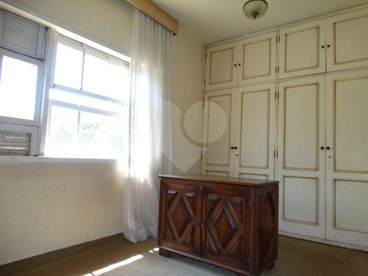 Padrão de 3 dormitórios à venda em Vila Romana, São Paulo - SP
