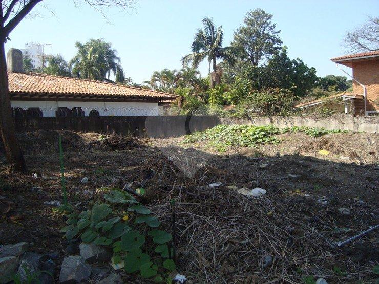 Terreno em Alto De Pinheiros, São Paulo - SP