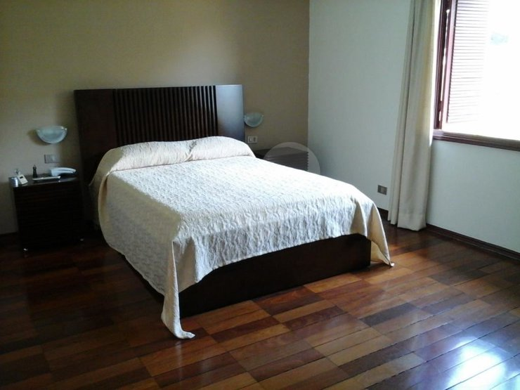 Casa de 4 dormitórios em Vila Sônia, São Paulo - SP