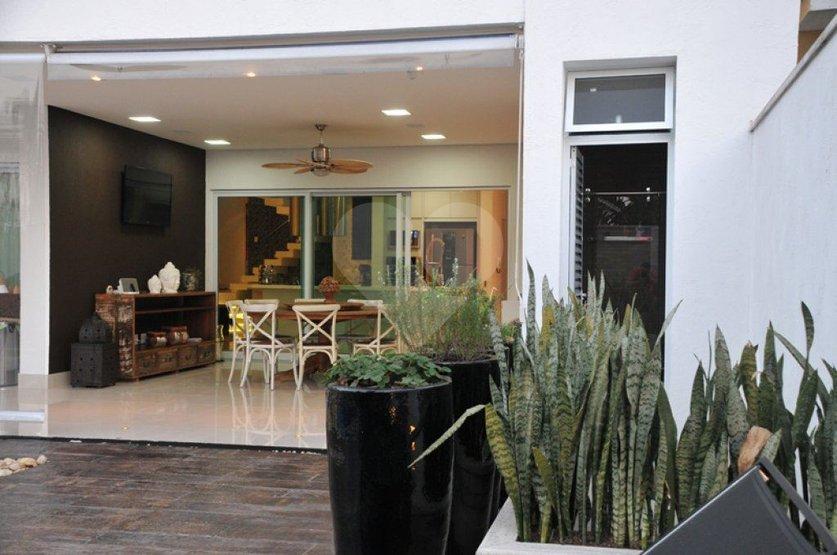 Casa de 3 dormitórios à venda em Vila Hamburguesa, São Paulo - SP
