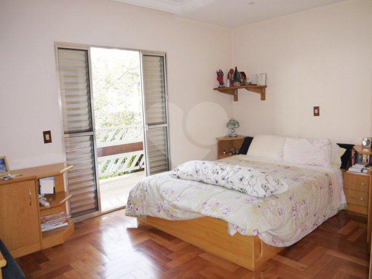 Padrão de 5 dormitórios em Alto Da Lapa, São Paulo - SP