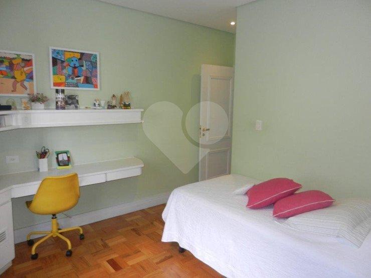 Casa de 3 dormitórios à venda em Jardim Peri Peri, São Paulo - SP