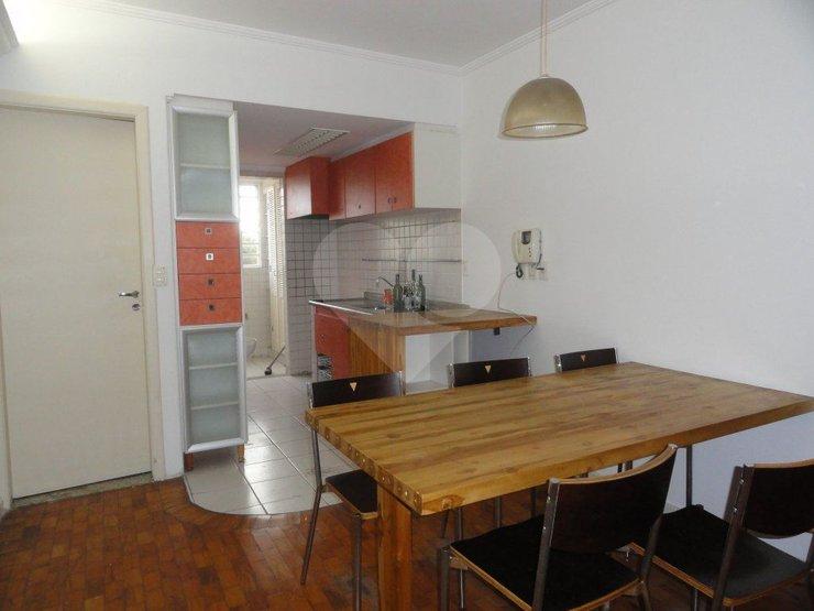 Casa de 3 dormitórios à venda em Cerqueira César, São Paulo - SP