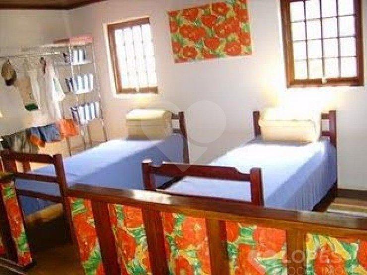 Casa de 8 dormitórios à venda em Cigarras, São Sebastião - SP