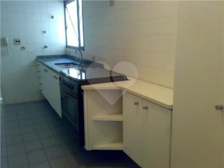 Apartamento de 3 dormitórios em Vila Nova Conceição, São Paulo - SP