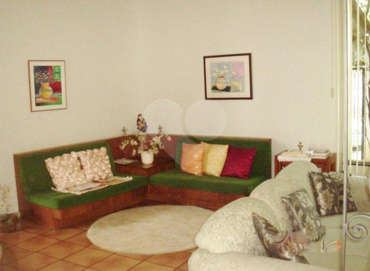 Padrão de 3 dormitórios em Jardim Das Bandeiras, São Paulo - SP