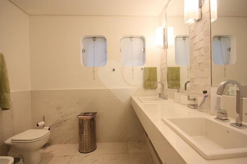 Casa de 5 dormitórios em Vila Ida, São Paulo - SP