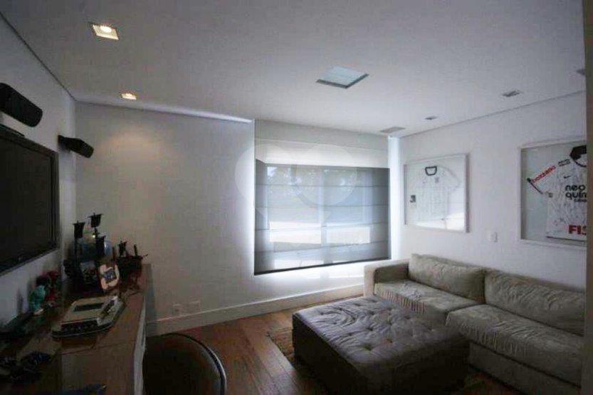 Apartamento de 4 dormitórios à venda em Jardim Vitória Régia, São Paulo - SP