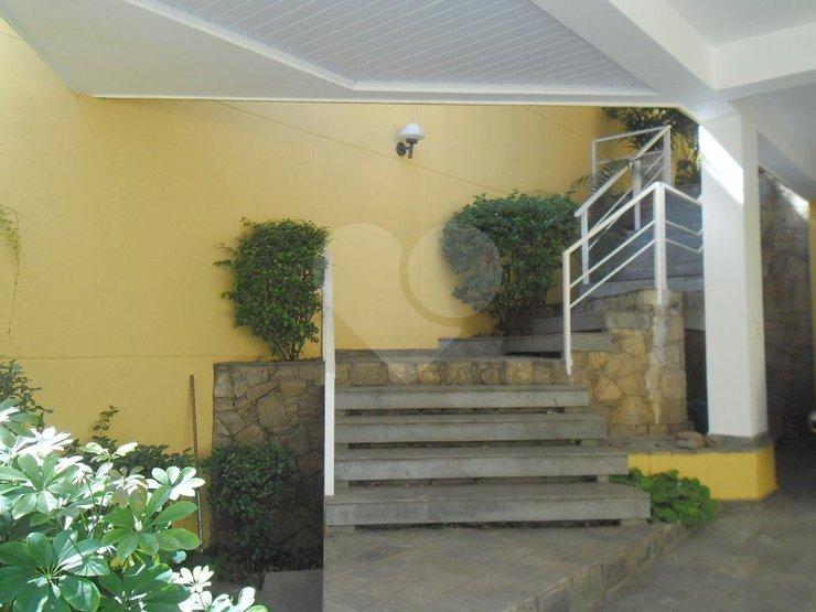 Casa de 4 dormitórios em Vila Inah, São Paulo - SP