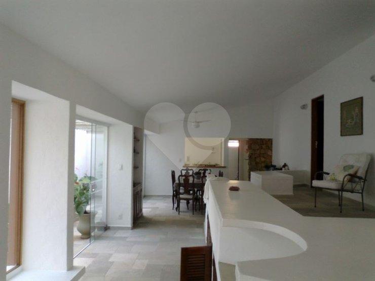 Casa de 4 dormitórios em Jardim Virgínia, Guarujá - SP
