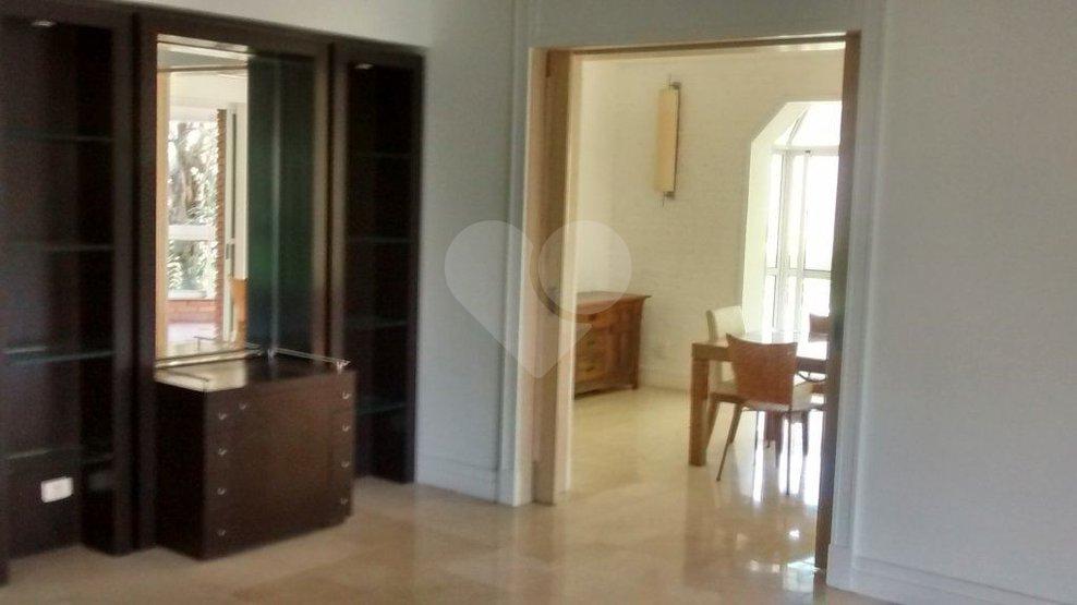 Apartamento de 5 dormitórios à venda em Jardim Fonte Do Morumbi, São Paulo - SP