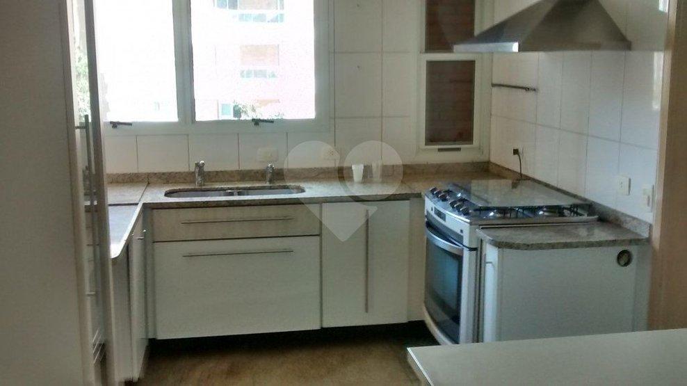 Apartamento de 5 dormitórios em Jardim Fonte Do Morumbi, São Paulo - SP