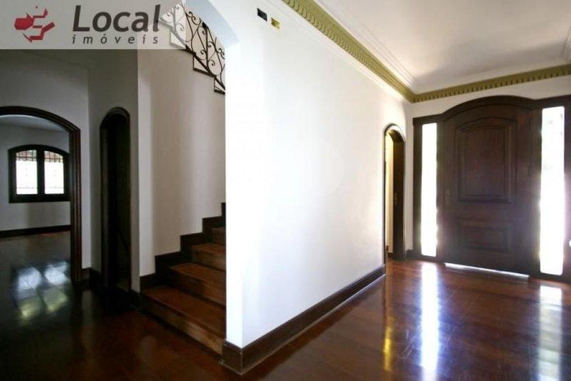 Padrão de 5 dormitórios em Alto De Pinheiros, São Paulo - SP