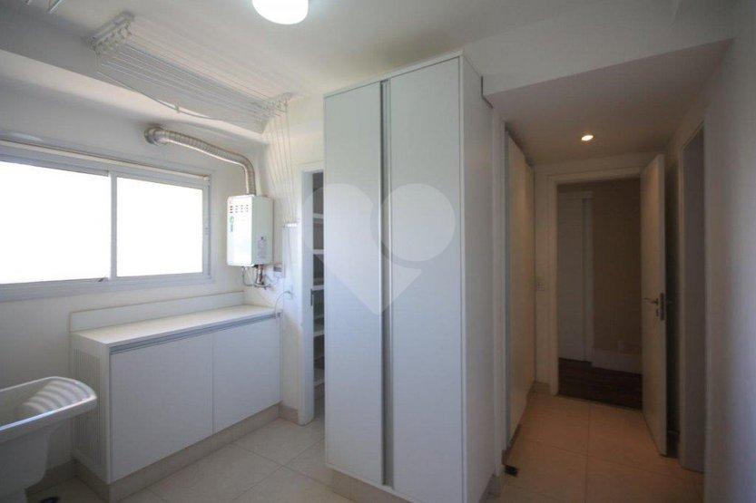 Apartamento de 3 dormitórios à venda em Rio Pequeno, São Paulo - SP