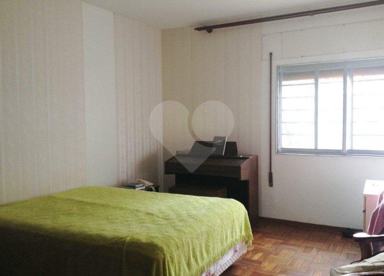 Casa de 5 dormitórios à venda em Cerqueira César, São Paulo - SP
