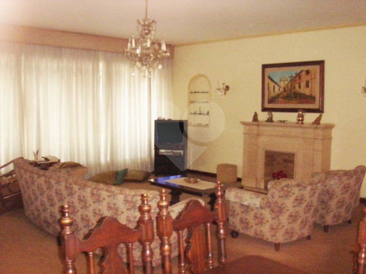 Padrão de 5 dormitórios em Sumarezinho, São Paulo - SP