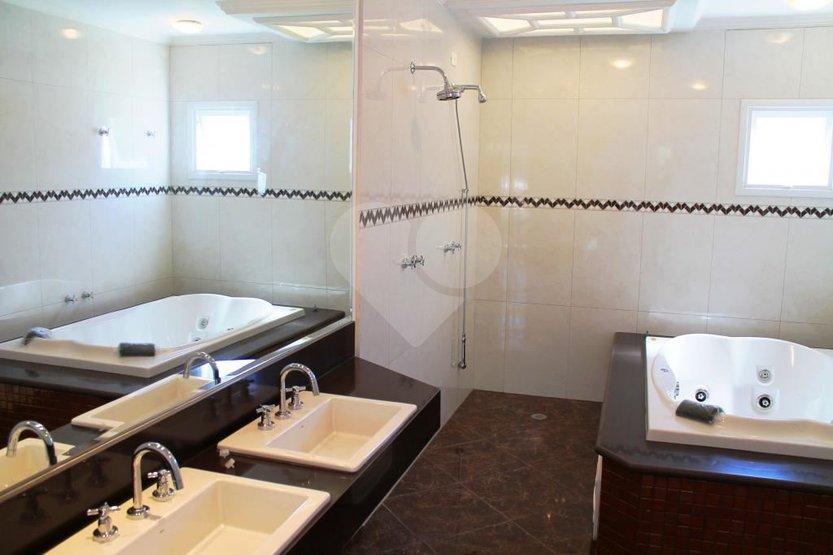 Casa de 6 dormitórios à venda em Jardim Cordeiro, São Paulo - SP