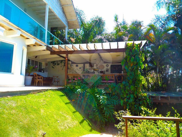 Casa de 5 dormitórios à venda em Copacabana, São Paulo - SP