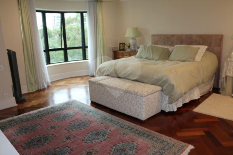 Cobertura de 4 dormitórios à venda em Jardim Morumbi, São Paulo - SP