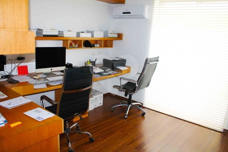 Casa de 4 dormitórios em Jardim Marajoara, São Paulo - SP