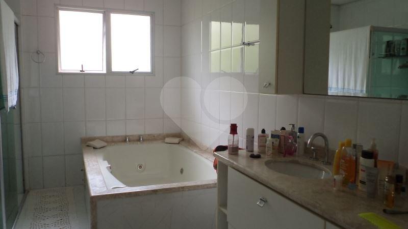 Casa de 4 dormitórios à venda em Vila Sofia, São Paulo - SP