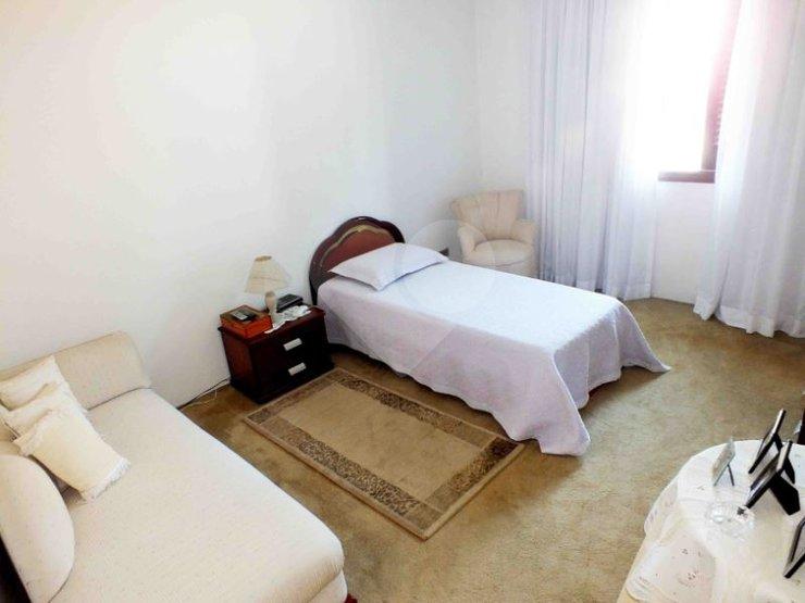 Casa de 4 dormitórios à venda em Vila Cordeiro, São Paulo - SP